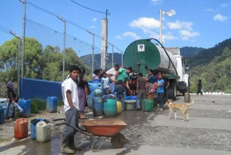 El Hato Water Truck